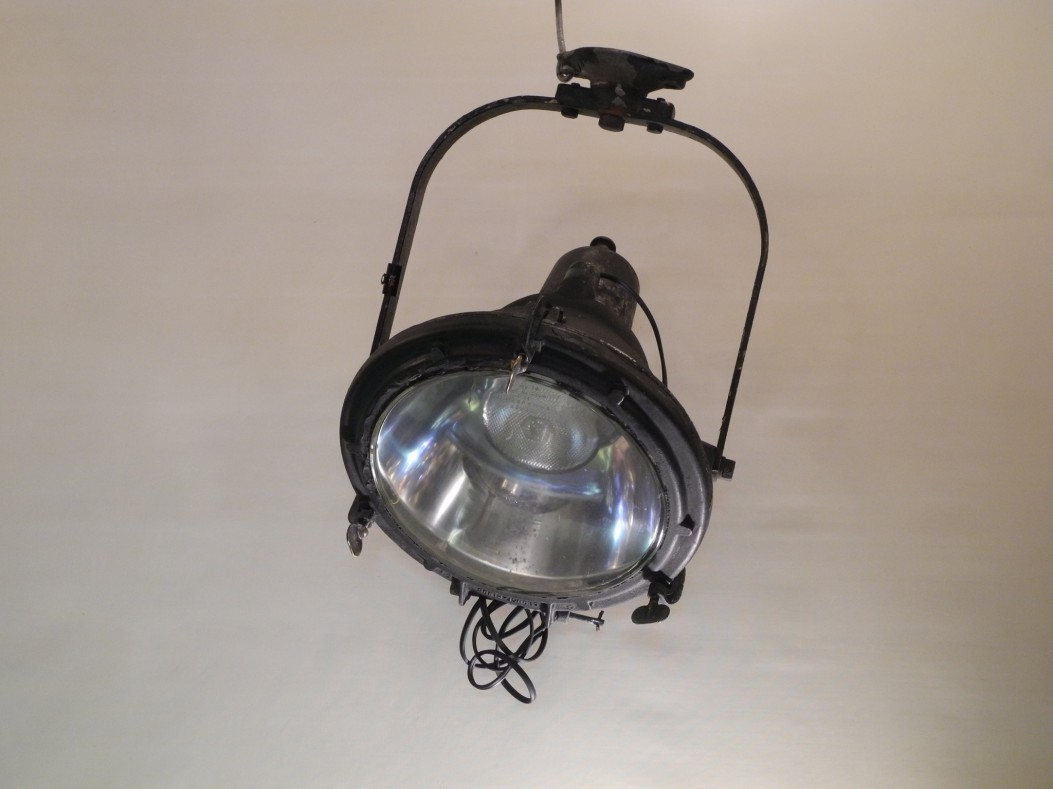 projecteur industrielle L'Allumeur luminaire suspension 1748 Alain